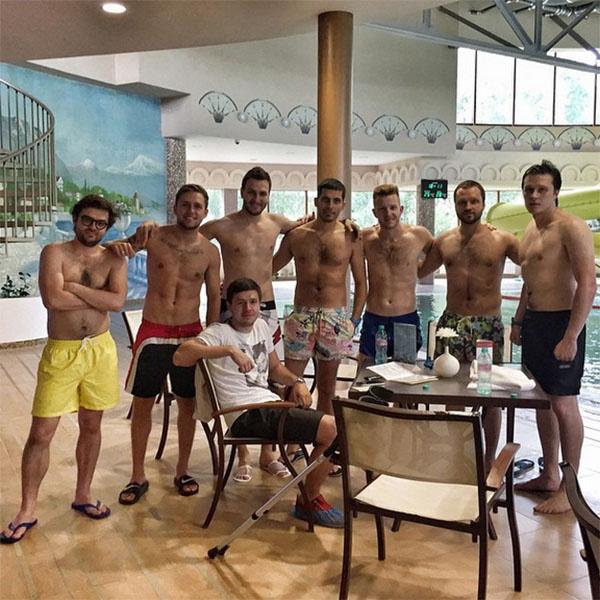 Влад Соколовский пригласил друзей на мальчишник с СПА-отель
