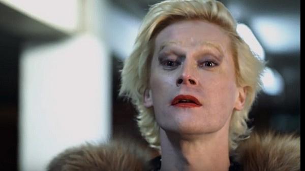 Данила Поляков сыграл роль трансвестита