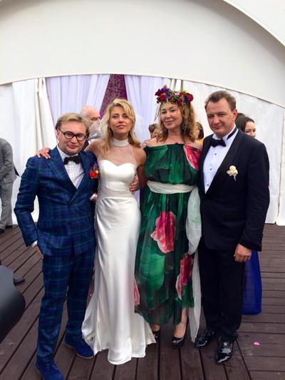 Марат и Екатерина с гостями - модельером Димитрием Деминым с супругой