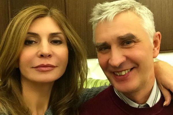 По словам знаменитой телебабушки, супруг боготворит ее