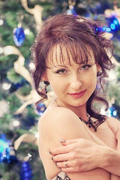 Бывшая жена Бахтияра совсем не похожа на Волочкову, она женщина совсем другого тип