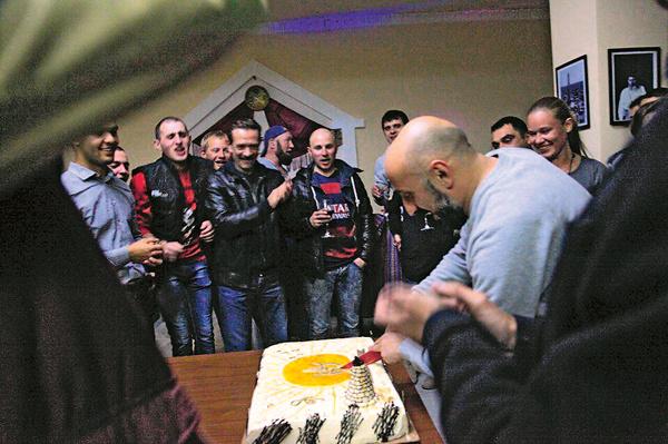 От праздничного торта Владимир Львович был в восторге