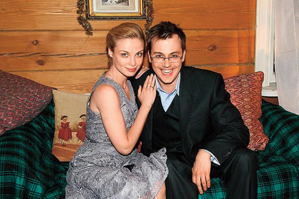 Татьяна Арнтгольц и Иван Жидков развелись в 2014 году, прожив в браке пять лет. У них есть дочь Мария