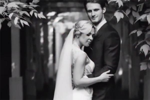 В фильме показали кадры со свадьбы певицы и хоккеиста