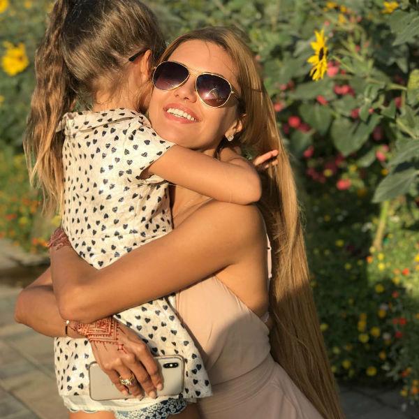 Виктория Боня с дочкой Анжелиной