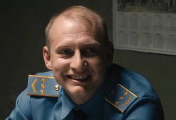 Михаил Фатеев в роли диспетчера Клокова в картине «Метро»