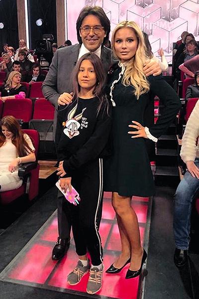 Борисова регулярно становится героиней программ главреда «СтарХита» Андрея Малахова. На фото — с дочкой Полиной, 26 января 2019 года