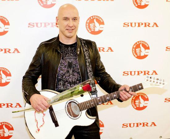 Денис Майданов многое поменял в своем графике, чтобы принять участие в шоу «Универсальный голос»