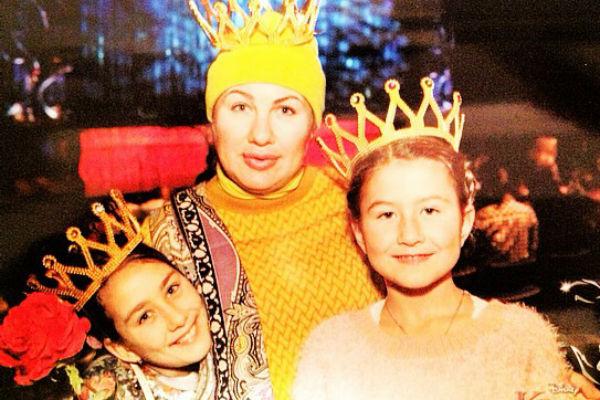 Певица с дочками Эвелиной и Амалией