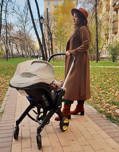 Наталия Медведева опубликовала в соцсети фото с коляской