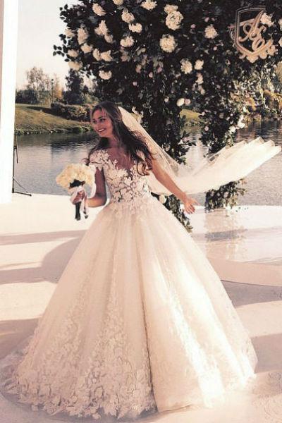 Лиза Брыксина стала законной женой отца ребенка певицы еще весной