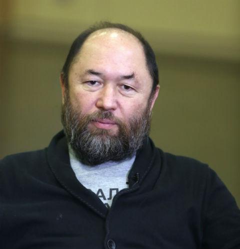 Тимур Бекмамбетов продает «Волгу» из фильма «Черная Молния» за 600 тысяч рублей
