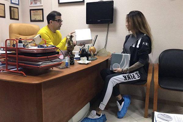 Гайк Бабаян заверил свою пациентку, что в будущем она сможет кормить грудью