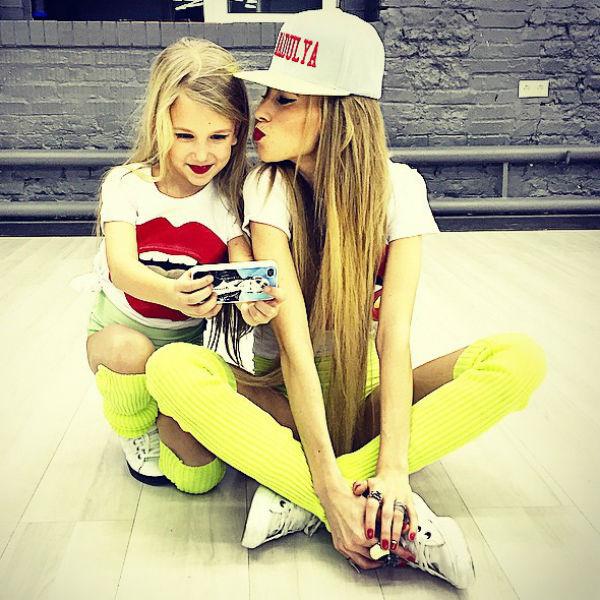 Маленькая партнерша Надежды Сысоевой получилась действительно похожей на свою звездную наставницу