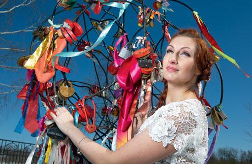 Марина надеется, что скоро повесит «замочек верности» на дерево ивановских молодоженов