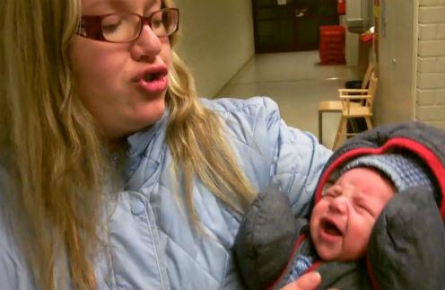 Младенца Ясмина через 4 дня после родов забрали соцслужбы