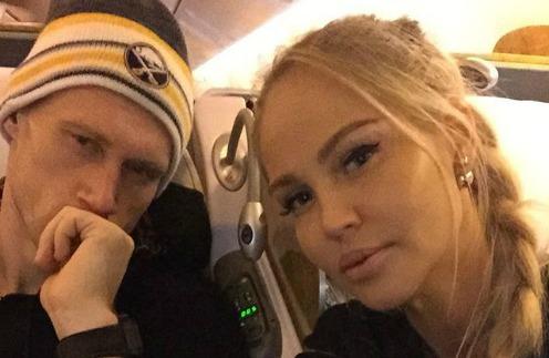 Супруги улетели отдыхать в Дубай