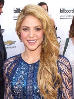 Шакира снова споет на чемпионате
