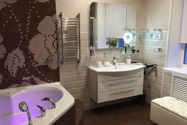 Кафель и плитку в ванную Ирина Александровна заказывала в Италии