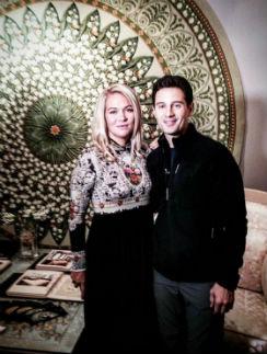 Антон и Виктория приглядывают вещи для дома в Сергиеве Посаде