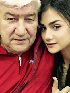 Анастасия Шубская с отцом своего жениха Александра Овечкина