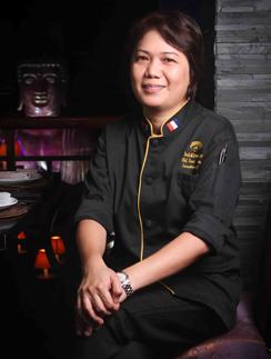 Шеф-повар Мария Сантос