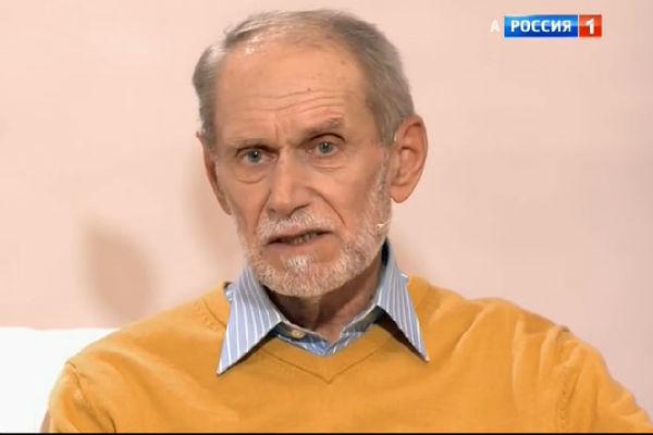 Виктор Михайлович благодарен супруге за то, что она спасла его от зависимости