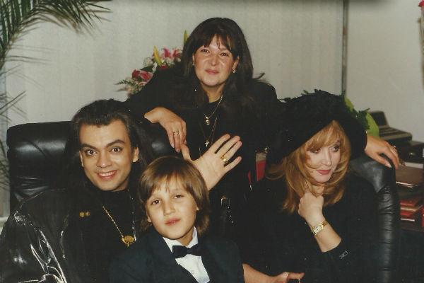 Филипп Киркоров, Михаил Садчиков-младший, Людмила Садчикова, Алла Пугачева. БКЗ «Октябрьский» 1997 год.