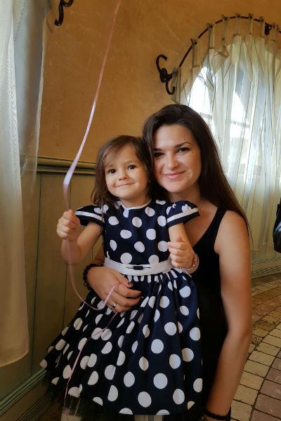 Виктория Райдос с дочкой
