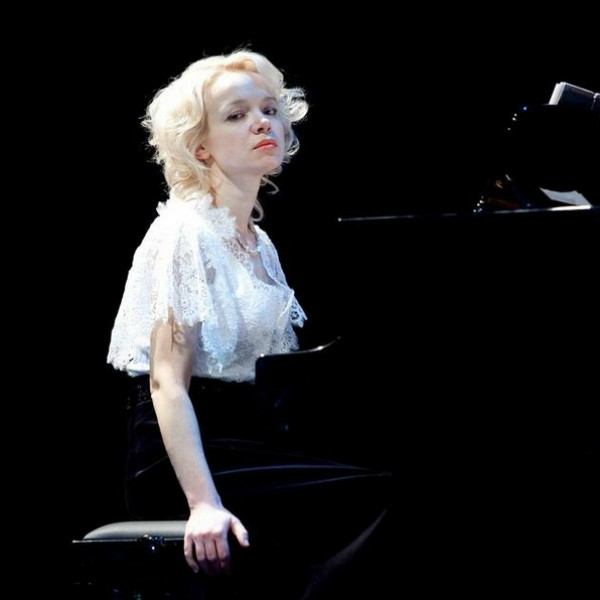 Виталина за роялем