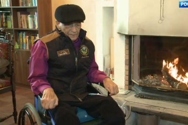 В декабре 2017-го мужчине исполнилось 80 лет