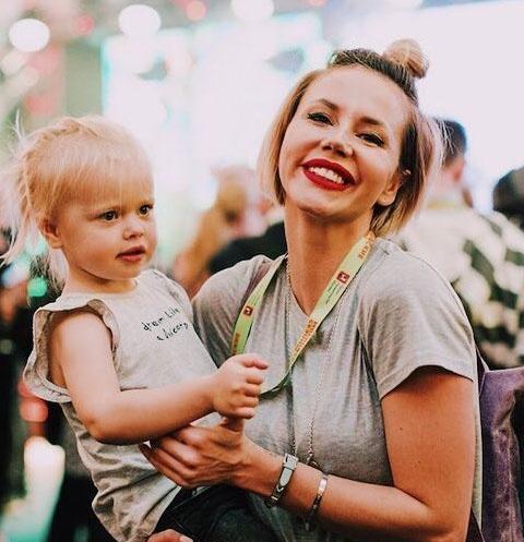 Натали Неведрова с дочерью