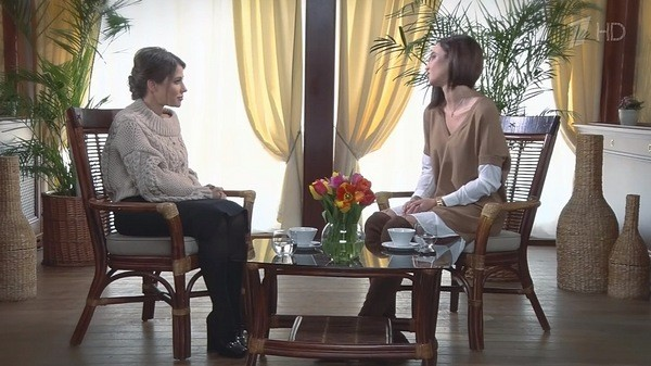 Ольга Бузова дает интервью Юлии Барановской