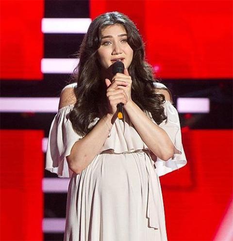 Анаит Погосян исполнила армянскую гусанскую песню на русском «Голосе»