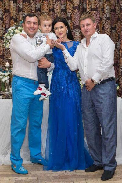 Семья Авакян покрестили ребенка
