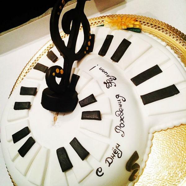 Торт от поклонников