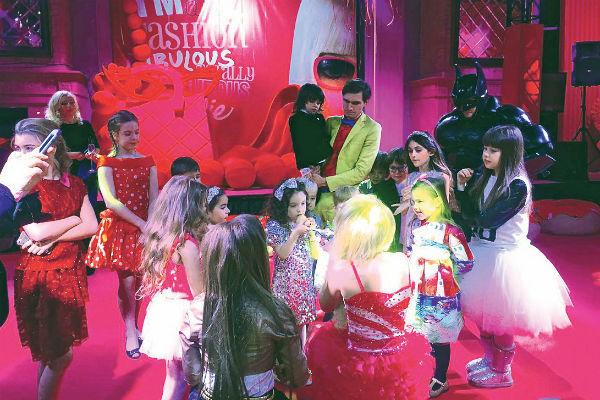 Спутник Барби Кен пользовался особой популярностью у маленьких гостей