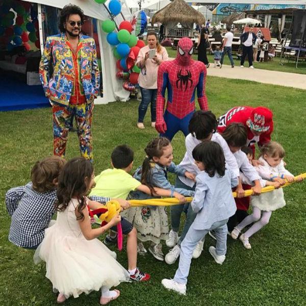 Дети веселились несколько часов подряд
