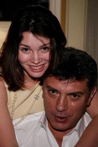 Жанна увлекалась политикой, как и отец. Сейчас работает  ведущей на РБК
