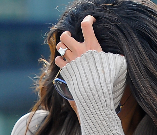 Амаль уже успела покзаать подареное Джорджем Клуни кольцо