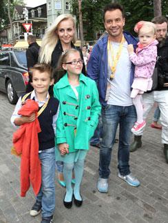 В 2013 году на открытии «НовоВ 2013 году на открытии «Новой волны» Алексей и Ирина еще были счастливым семействомй волны» Алексей и Ирина еще были счастливым семейством