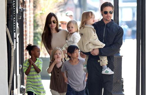 Анджелина Джоли, Брэд Питт и их дети