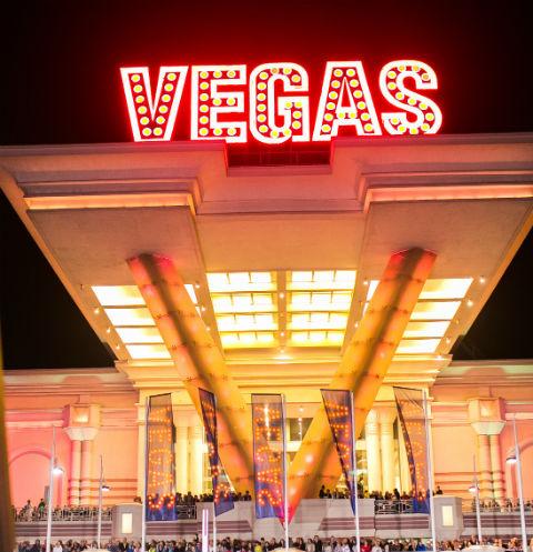 Vegas Каширское шоссе отмечает свой шестой день рождения