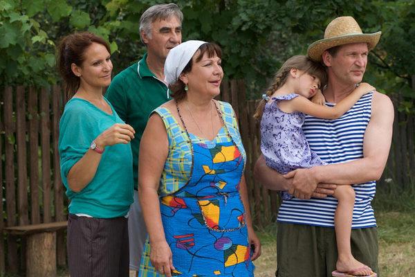 В «Сватах» Кравченко играет роль бабушки Вали