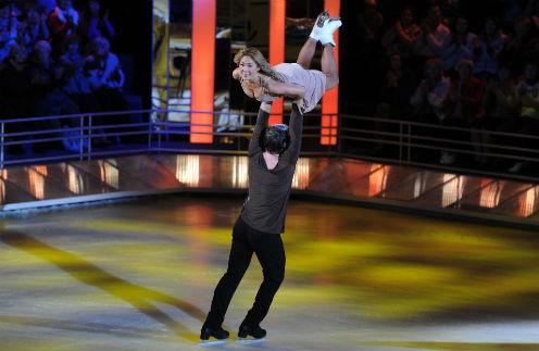Пара поразила зрителей и судей разнообразными трюками
