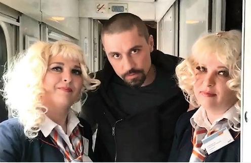 Дима Билан провел ночь с проводницами в поезде «Москва-Хабаровск»
