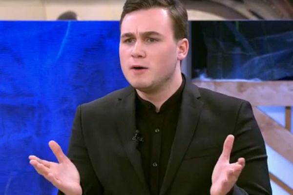 Николай Соболев решил защитить девушку