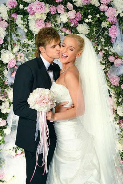 Больше года назад Ольга развелась с футболистом Дмитрием Тарасовым