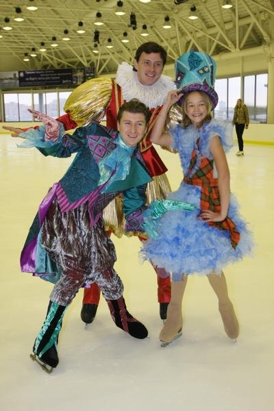 Алексей активно участвует в различных ледовых шоу