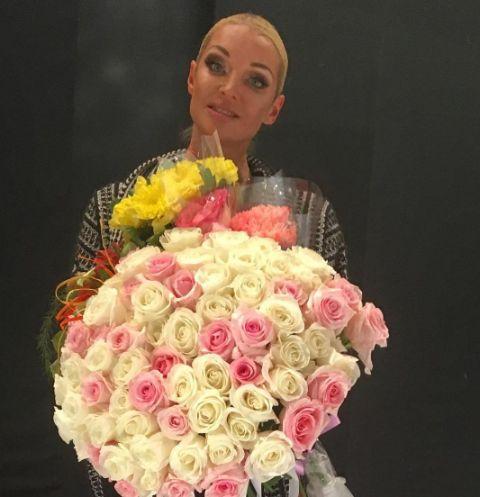 Анастасия Волочкова опровергла слухи о том, что берет с мужчин деньги за встречи